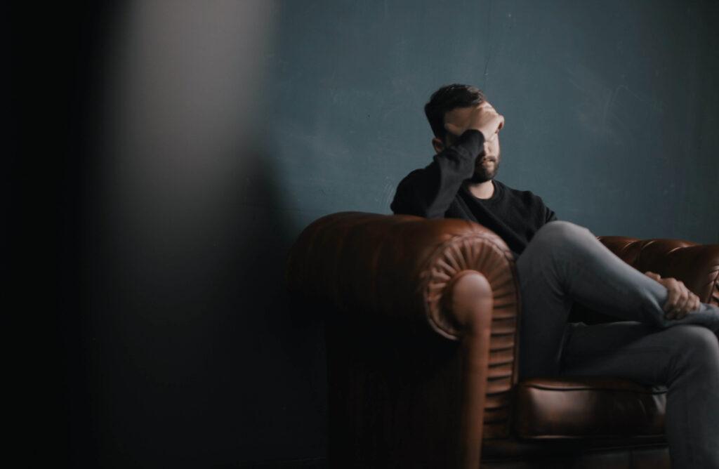 Ce terapii recomandă specialiștii pentru a scăpa de frica de moarte